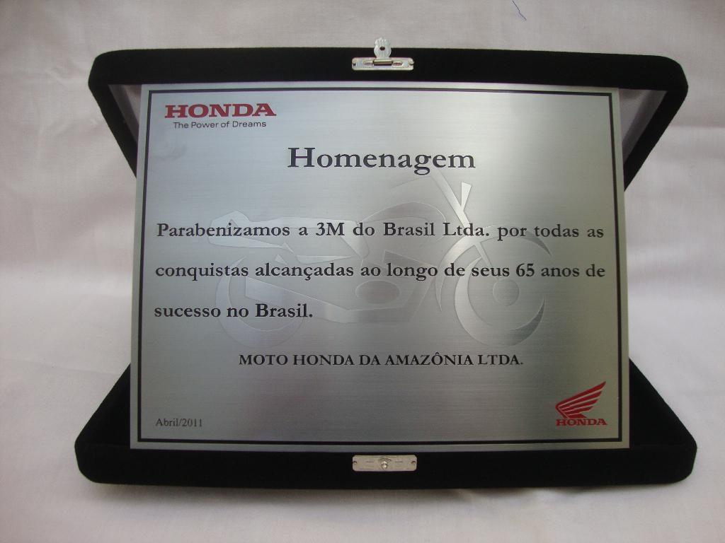 Texto para placa de homenagem